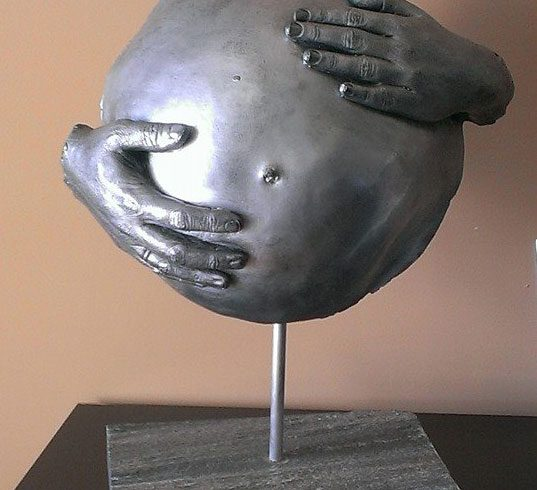escultura barriga embarazada Irene